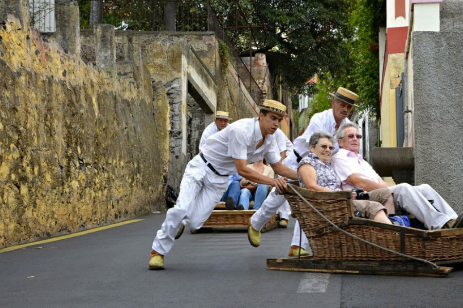 Carrinho de Vime Ilha da Madeira
