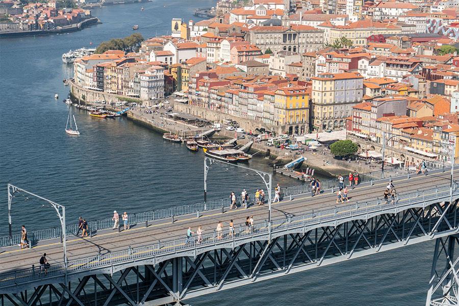 cresce número de brasileiros em Portugal